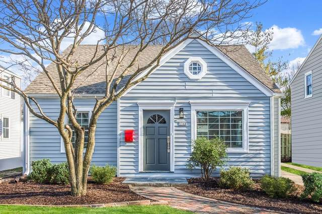 5348 N Bay Ridge Ave, Whitefish Bay, WI 53217 (#1723073) :: Tom Didier Real Estate Team
