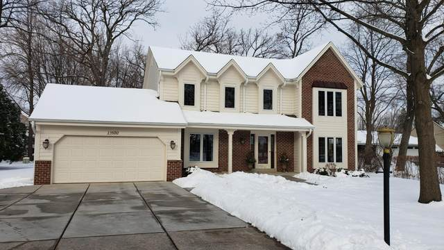 13500 W Cold Spring Rd, New Berlin, WI 53151 (#1723342) :: Tom Didier Real Estate Team