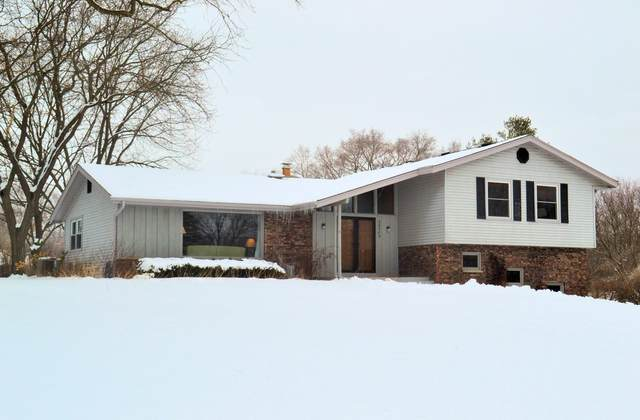 28504 Arrow Rd, Waterford, WI 53185 (#1723348) :: RE/MAX Service First