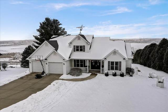 N842 Lake View Dr, Portland, WI 53579 (#1723452) :: Tom Didier Real Estate Team