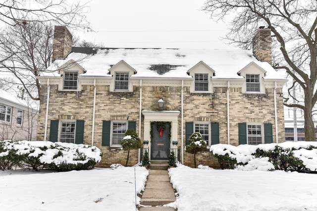 8727 W Hawthorne Ave #8729, Wauwatosa, WI 53226 (#1723485) :: RE/MAX Service First