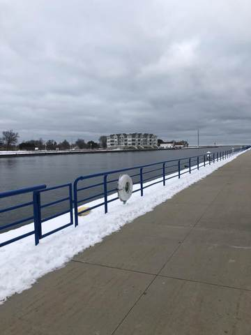 522 S Pier, Sheboygan, WI 53081 (#1723549) :: RE/MAX Service First