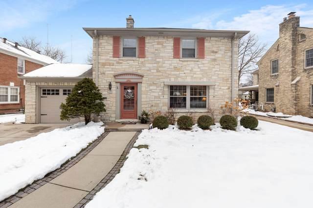 4609 N Wildwood Ave, Shorewood, WI 53211 (#1723799) :: Tom Didier Real Estate Team