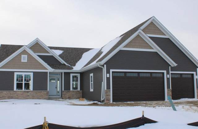 641 Spur Rd, Slinger, WI 53086 (#1724084) :: Tom Didier Real Estate Team