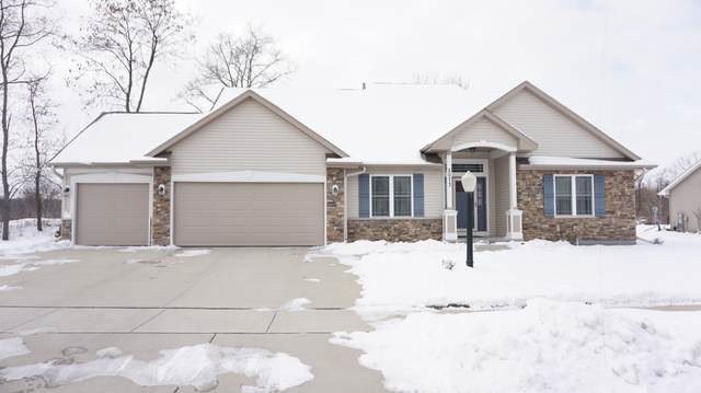 2073 Stonegate Rd, Burlington, WI 53105 (#1724091) :: OneTrust Real Estate