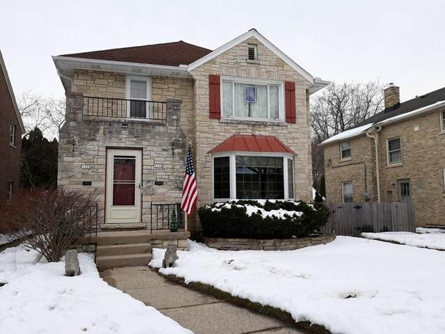 1218 E Kensington Ave #1220, Shorewood, WI 53211 (#1724137) :: Tom Didier Real Estate Team