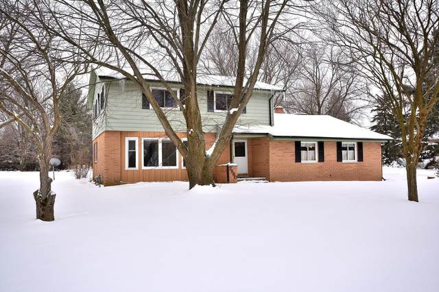 2880 Farview Dr, Polk, WI 53076 (#1724142) :: OneTrust Real Estate