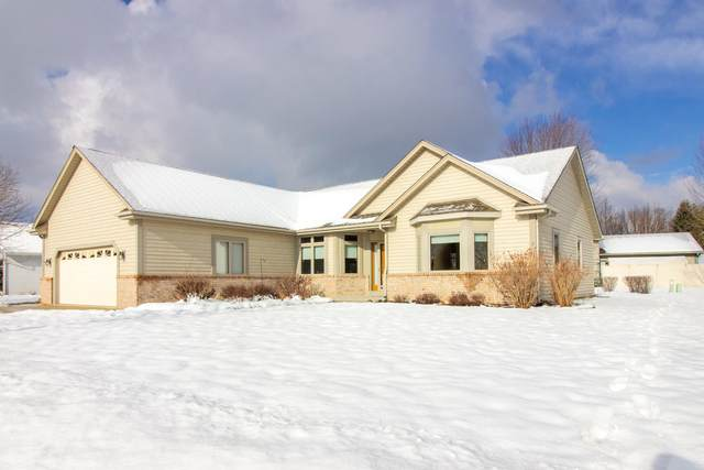 2910 Emslie Dr, Waukesha, WI 53188 (#1724225) :: Tom Didier Real Estate Team