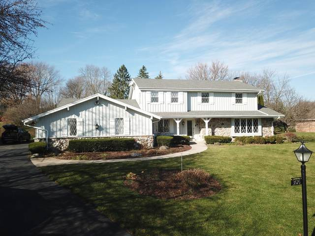 3575 Woodburn Ct, Brookfield, WI 53005 (#1724232) :: Tom Didier Real Estate Team
