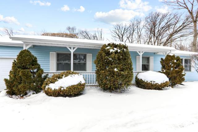 N3313 Cherry Rd, Geneva, WI 53147 (#1724323) :: RE/MAX Service First