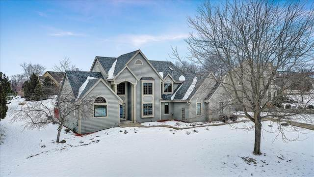 N27W26060 Steeplechase Dr, Pewaukee, WI 53072 (#1724326) :: OneTrust Real Estate