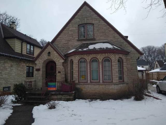 3170 N 49th Street, Milwaukee, WI 53216 (#1724339) :: RE/MAX Service First