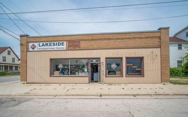 427 1st St #1771, Random Lake, WI 53075 (#1724352) :: RE/MAX Service First