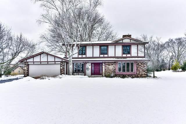 2135 Possum Ct, Brookfield, WI 53045 (#1724398) :: OneTrust Real Estate