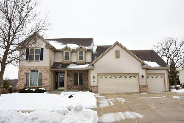 126 Howell Ave, Waukesha, WI 53188 (#1724547) :: RE/MAX Service First