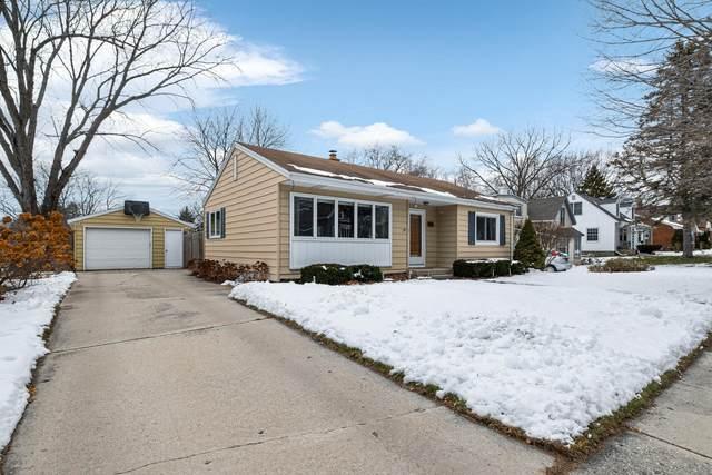 519 N Montgomery St, Port Washington, WI 53074 (#1724548) :: Tom Didier Real Estate Team