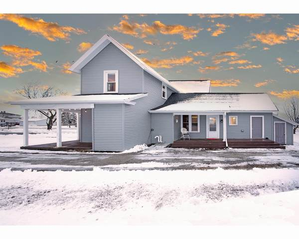 126 W Barrett St, Glenbeulah, WI 53023 (#1724574) :: OneTrust Real Estate