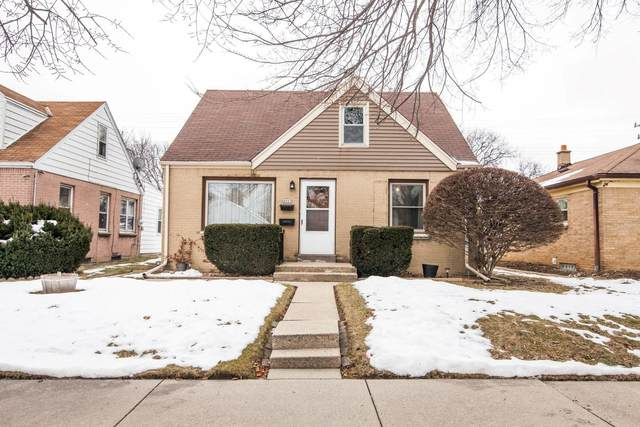 4907 N 64th St, Milwaukee, WI 53218 (#1724640) :: RE/MAX Service First