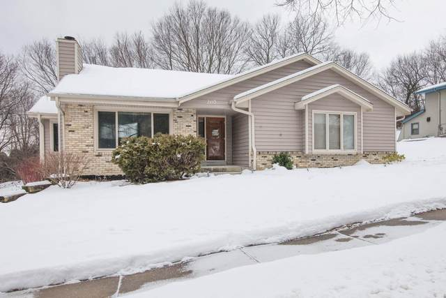 207 Cambridge Ave, Waukesha, WI 53188 (#1724704) :: RE/MAX Service First