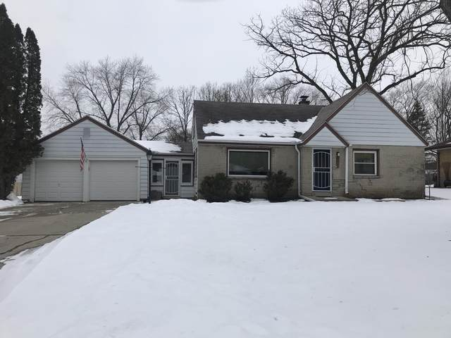 4549 N 104th St, Wauwatosa, WI 53225 (#1724714) :: RE/MAX Service First