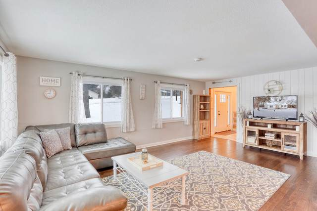 1530 S Norwood Dr, New Berlin, WI 53146 (#1724765) :: OneTrust Real Estate