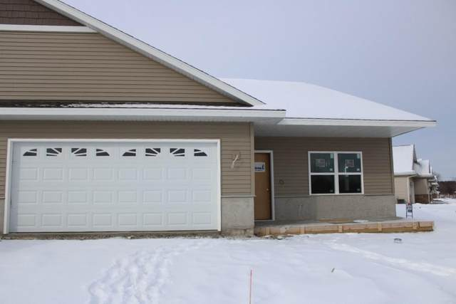 805 Prairie Gdns #31, Kewaskum, WI 53040 (#1724804) :: Tom Didier Real Estate Team