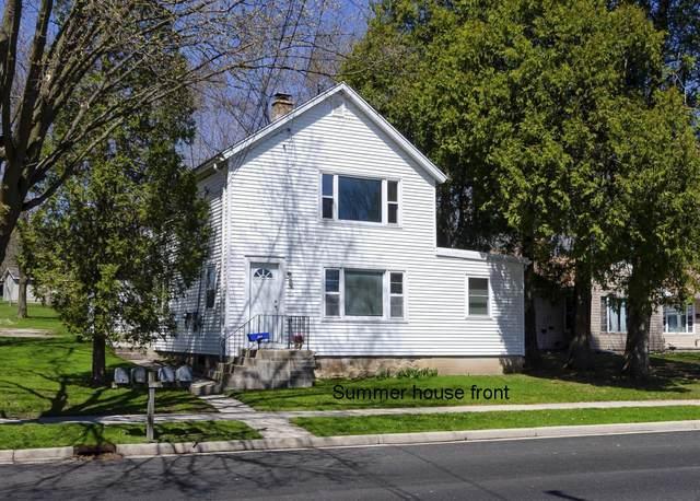 579 S Main St #581, Saukville, WI 53080 (#1724886) :: Tom Didier Real Estate Team
