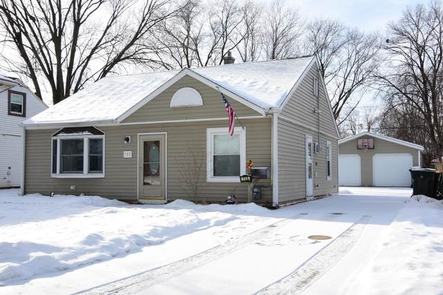 715 S 104th St, West Allis, WI 53214 (#1724895) :: RE/MAX Service First