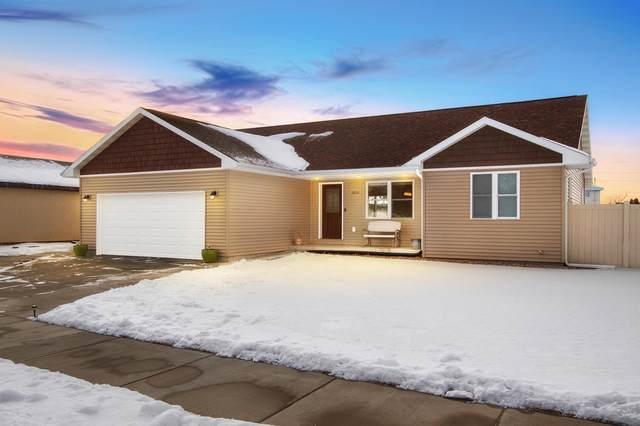 3034 22nd St S, La Crosse, WI 54601 (#1724942) :: Tom Didier Real Estate Team
