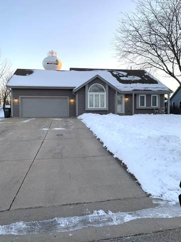 N75W23435 North Ridgeview Circle, Sussex, WI 53089 (#1725023) :: Tom Didier Real Estate Team