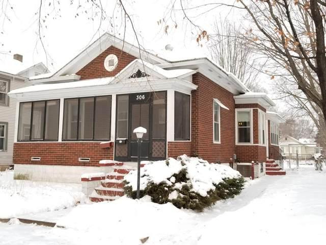306 Caledonia St, La Crosse, WI 54603 (#1725030) :: Keller Williams Realty - Milwaukee Southwest