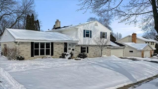 N81W7402 Hickory St, Cedarburg, WI 53012 (#1725712) :: Tom Didier Real Estate Team