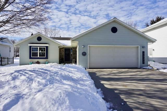1522 Walsh Acres Dr, West Bend, WI 53095 (#1726165) :: OneTrust Real Estate