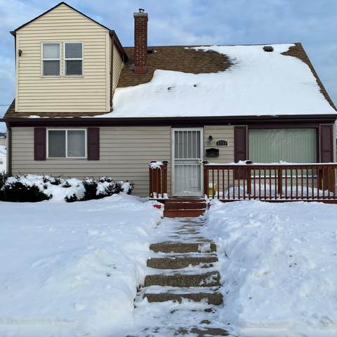5254 N 44th St, Milwaukee, WI 53218 (#1726349) :: OneTrust Real Estate