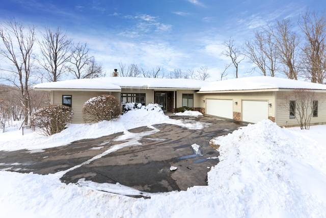 W3314 Lake Forest Ln, Geneva, WI 53147 (#1726374) :: OneTrust Real Estate