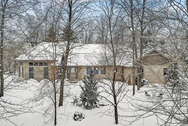N72W24192 S Woodsview Dr, Sussex, WI 53089 (#1726432) :: EXIT Realty XL