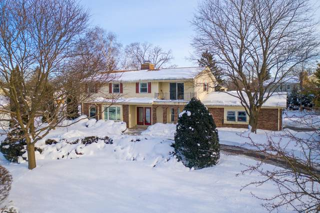 2370 Coach House Dr, Brookfield, WI 53045 (#1726492) :: OneTrust Real Estate