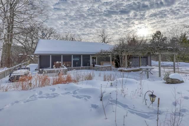 W360S4865 Wildflower Ct, Ottawa, WI 53118 (#1726606) :: OneTrust Real Estate