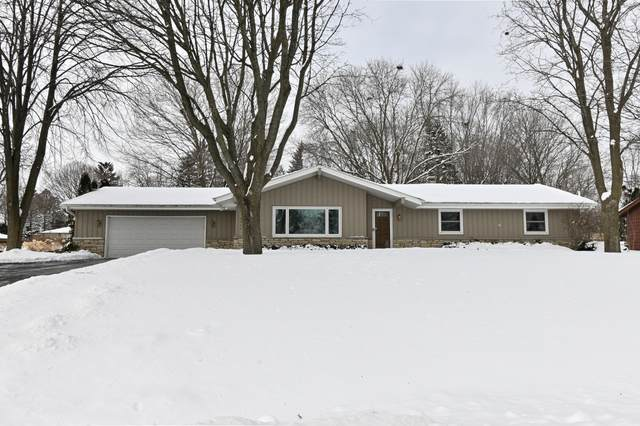 6929 S 117th St, Franklin, WI 53132 (#1726611) :: OneTrust Real Estate