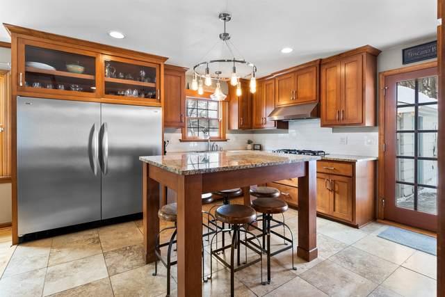 1277 Martha Washington Dr, Wauwatosa, WI 53213 (#1726716) :: OneTrust Real Estate