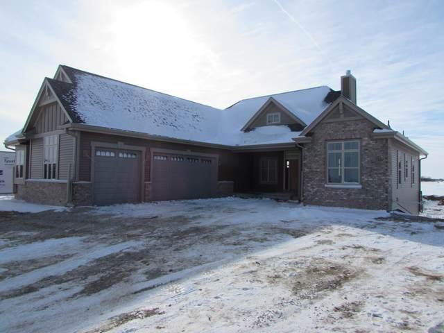 675 Spur Rd, Slinger, WI 53086 (#1726784) :: OneTrust Real Estate