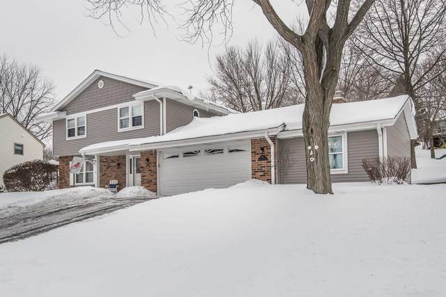 731 Crestwood Dr, Waukesha, WI 53188 (#1726884) :: OneTrust Real Estate