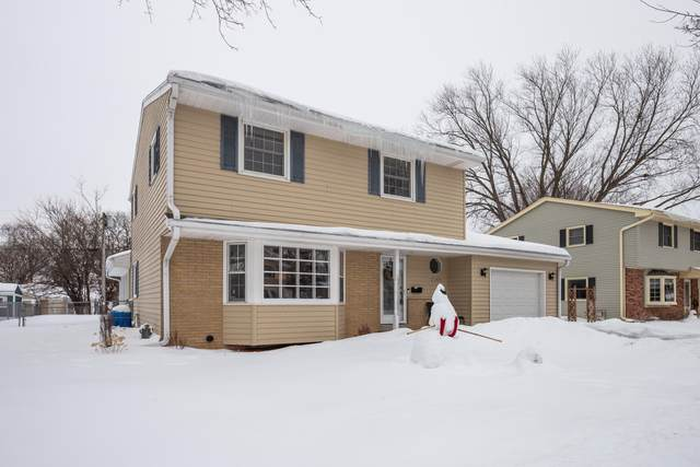 2149 Empire Dr, Waukesha, WI 53186 (#1727039) :: OneTrust Real Estate