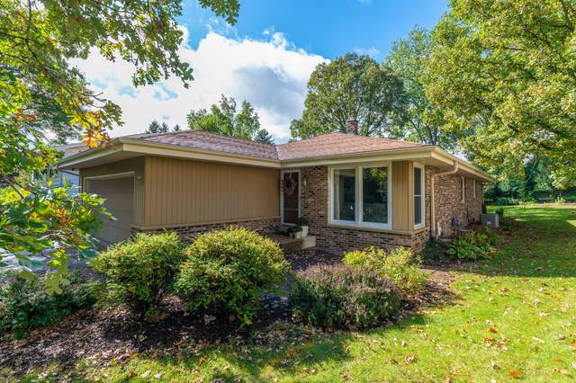 10136 W Highwood Ave, Wauwatosa, WI 53222 (#1727193) :: OneTrust Real Estate