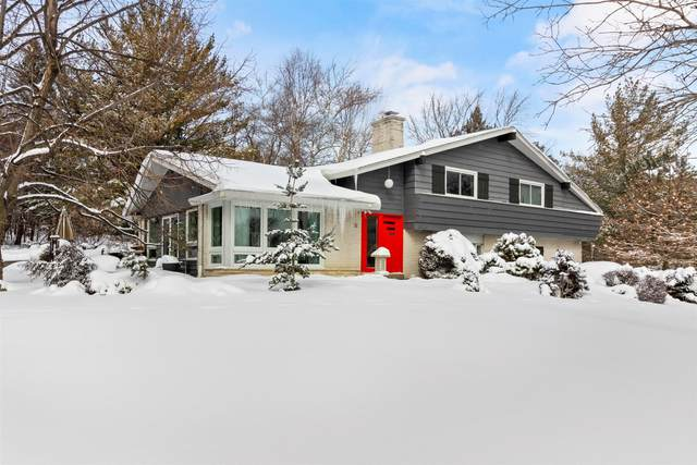 5325 S Jessica Ct, New Berlin, WI 53151 (#1727578) :: OneTrust Real Estate