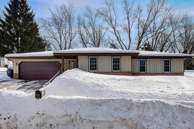 523 Crestwood Dr, Waukesha, WI 53188 (#1727611) :: OneTrust Real Estate