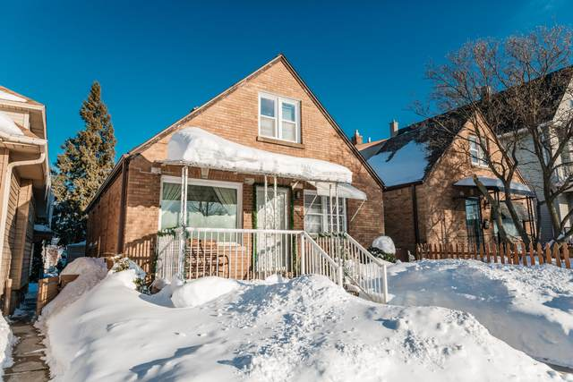 2678 S 16th St, Milwaukee, WI 53215 (#1727721) :: RE/MAX Service First