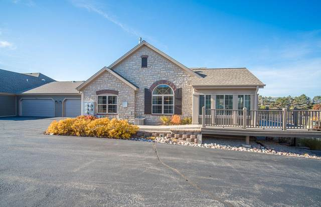 15265 Casey Cir, Brookfield, WI 53005 (#1727888) :: EXIT Realty XL