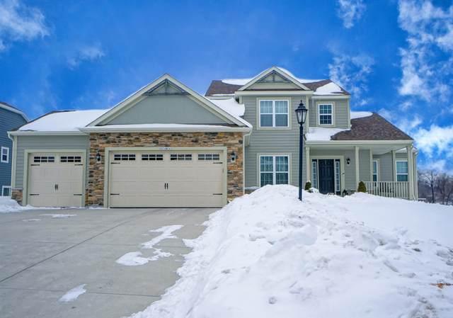 W276N587 Arrowhead Trl, Pewaukee, WI 53188 (#1727971) :: OneTrust Real Estate