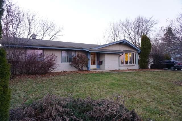 W180N8201 Town Hall Rd, Menomonee Falls, WI 53051 (#1728030) :: EXIT Realty XL